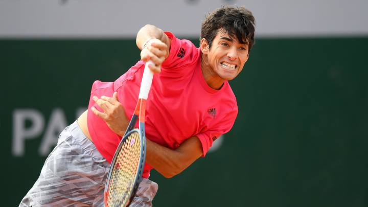 Cristian Garin se mete en la tercera ronda de Roland Garros