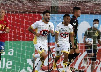 Coquimbo Unido vuelve a ganar y se aleja momentáneamente de la zona de descenso