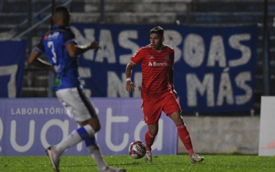 Carlos Palacios se estreno como titular en el Inter